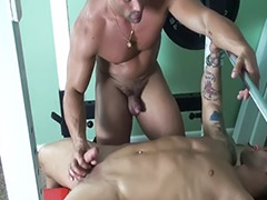 Gay handjob, Gym