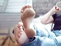 Footjob amateurs, Girls footjob, Barefeet, Amateur footjob, Ups girl, Fetish footjob