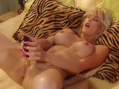 Tit dildo, Big tits dildo, Big dildo, Big dildoes, Gold, Poke