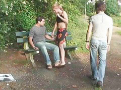 Threesome in park, Public park sex, Public park, Park public, Parking sexe, Sex parking