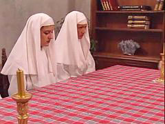 Nuns, Having fun, 3 in 1, 2 in 1, Haveتس في, Roberts
