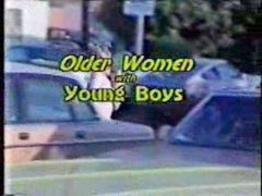 Younger older, Younger women, Mo m, Mo, Younger boy, Mo.