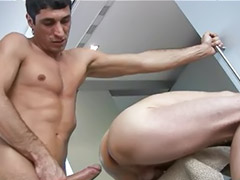 Gozada dentro gay, Sexo interracial gay