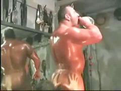 Worship, Worship muscle, Muscle worship, Muscle oil, Worshipping, Oiled up