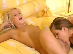 Lesbian kissing and sex, Blonde and brunette lesbian