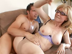 Mature anal, Glasses