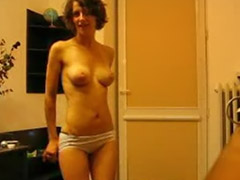 Stripping brunette, Strip amateur, Amateur strips, Amateur stripping, Amateur strip