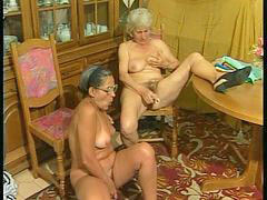 Plug, Granny amateur, Amateur granny, Amateur grannies, Plugged, Grannies solo