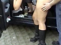 The swinger, Wife in public, Park public, Swingers wife, Swinger nudist, Nudist swingers