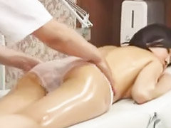 Japanese massage, Topless