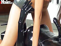 Lesbian strap on, Latex, Riding